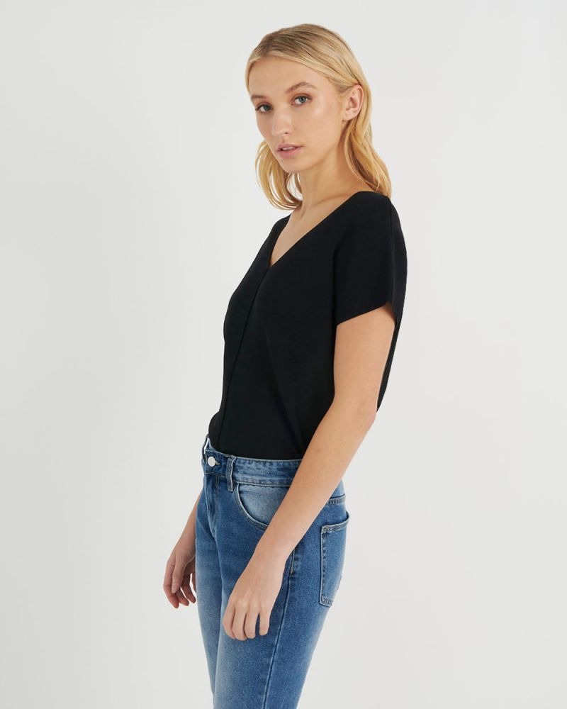 Bella V-Neck Knit Top