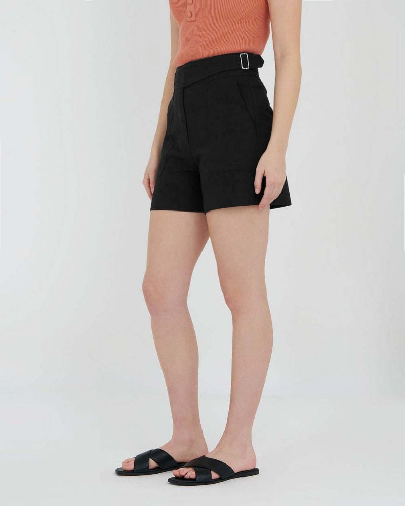 Lidia Stretchy Pocketed Shorts